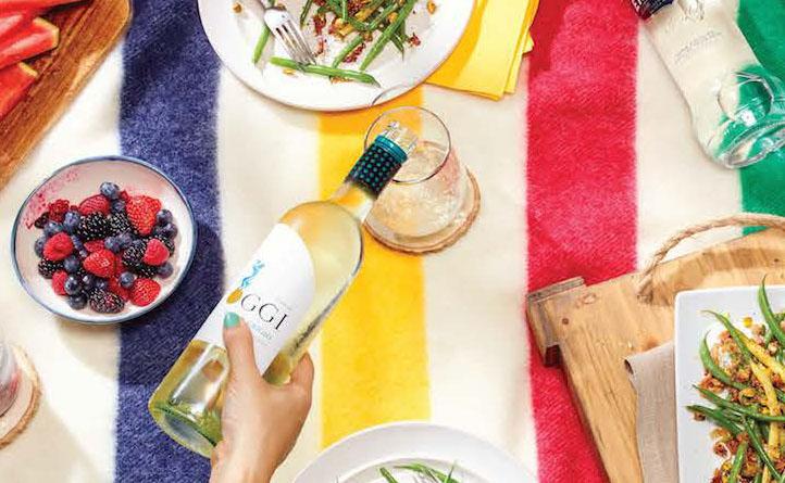 LCBO | LCBO Plaisirs d'été | Branding de lieux, Créativité, Design